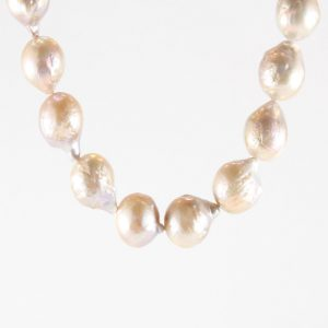 hermj.com Kasumi Pearl Necklace